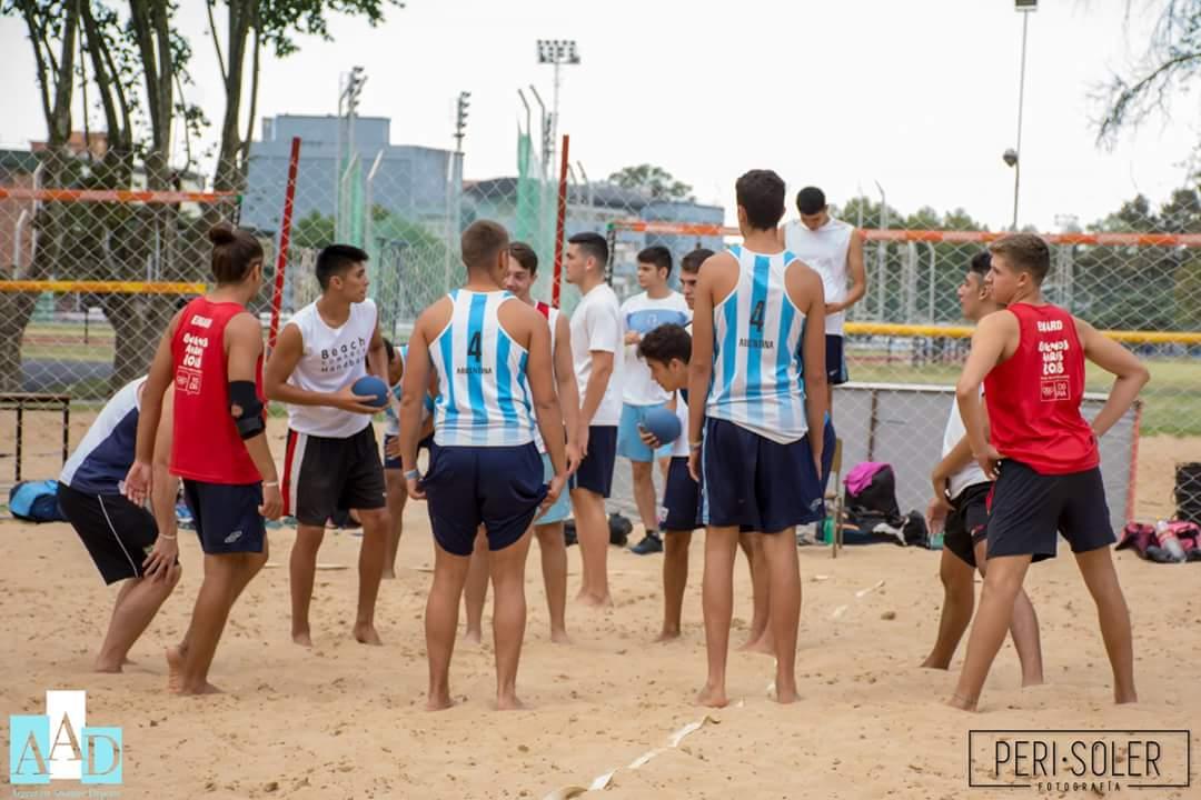 Photo of El beach con grupo definido