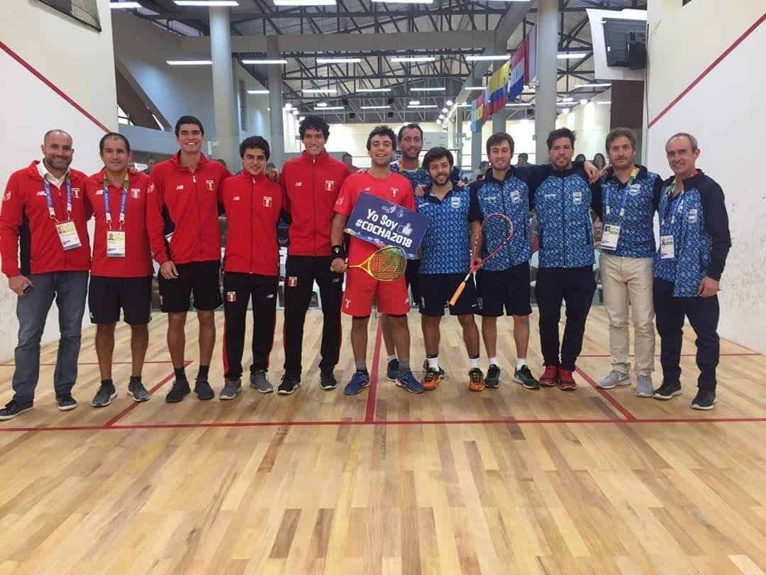 Photo of Ambos equipos con medalla de plata