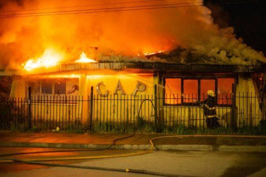 La comunidad andina brinda su apoyo al Piltriquitrón luego del incendio de su sede